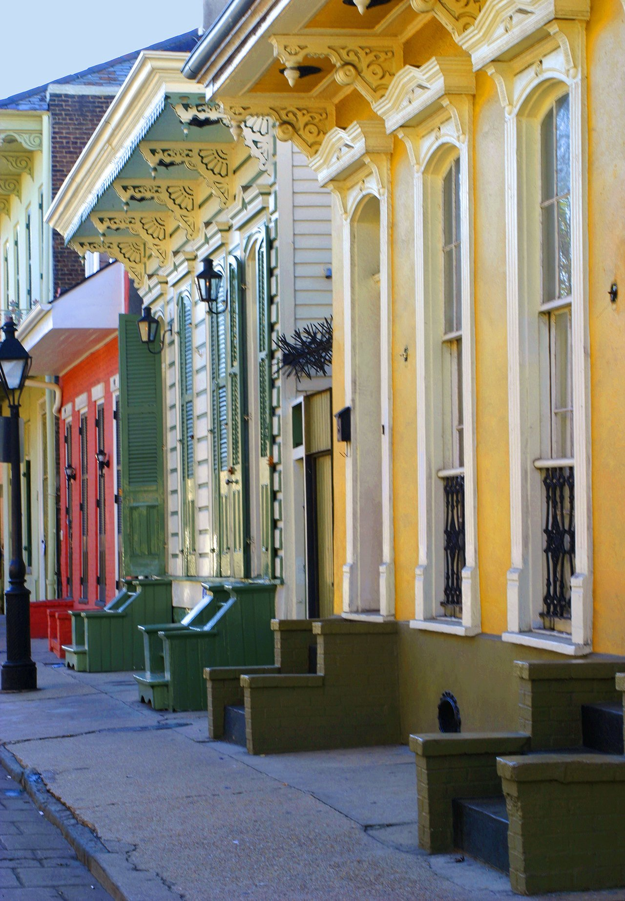 Brightly colors houses in New Orleans French Quarter