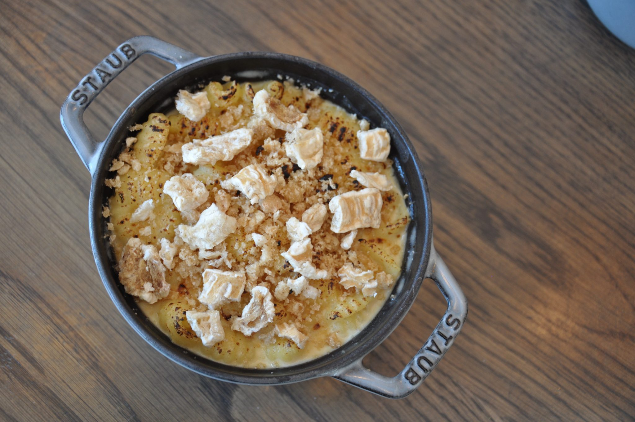 Creamy macaroni and cheese with chicharron crust topping
